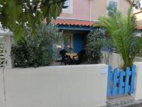 Das schöne Ferienhaus mit 2 Terrassen und 2 Schlafzimmern bietet Platz für 4 Personen