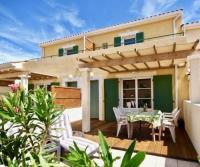 Ferienhaus in Narbonne-Plage: Zum Süden:Terrasse mit Garten; Balkon. Weitere Terrasse nach hinten