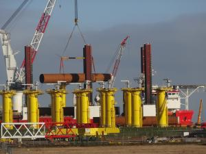 Offshore-Umschlag in Cuxhaven