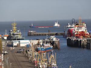 Alter Fischereihafen an der Elbe