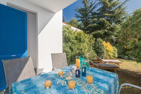 ferienwohnung mit eigenem garten nur 350m vom strand in. Black Bedroom Furniture Sets. Home Design Ideas