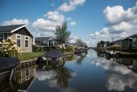 Ferienhaus Typ Stern für 6 Personen im Ferienpark Giethoorn Overijssel Niederlande mit Boot