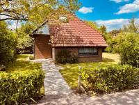 Das Ferienhaus mit sonniger Terrasse und 3 Schlafzimmern bietet Platz für bis zu 6 Personen!