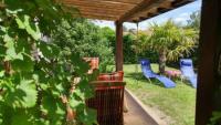 Ferienwohnung mit zwei Schlafzimmern und sonniger Terrasse bietet Platz für 5 Personen!