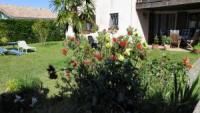 Die Ferienwohnung mit sonniger Terrasse bietet Platz für 4 Personen