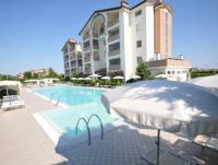 Neue 3-Zimmerwohnung bis 6 Personen mit Terrasse, 2 Schlafzimmern, Kochecke, Klimaanlage und W-lan.