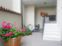 Gardasee - Westufer - Helle, Geräumige Ferienwohnung mit Garage für 6 Personen.
