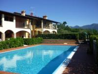 Holiday apartment on Lake Garda, pool, private garden and veranda. 2 bedrooms