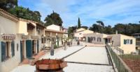 Ferienwohnungen inmitten eines Weingutes zwischen Toulon und Hyères an der Mittelmeerküste.