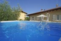 Schönes Ferienhaus mit eigenem Pool, privatem Garten, Garage, Wlan, Veranda. Bis 5 Personen!
