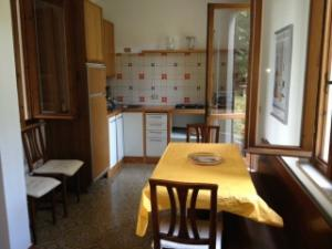 Casa 1-Mughetto: the kitchen