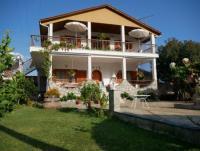 Ferienhaus mit Ferienwohnungen in Stavros  - Griechenland - Chalkidiki -  privat zu vermieten!