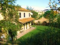 Ferienhaus für bis zu 10 Personen in Alleinlage am Hügel - Blick auf Altstadt von Mondolfo und Meer