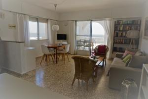 Das Wohn/Esszimmer mit Meerblick
