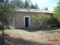 Südfrankreich: Apartment mit Wiese im Gard zu vermieten. Ferienwohnung im Languedoc-Roussillon