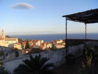 Ferienhaus Casa rosa bietet zwei ruhebedürftigen Personen Platz in Cipressa, Nähe Imperia, Ligurien