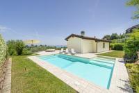 Neues Ferienhaus: Veranda, Grill, Pool, Garten, WLAN, Klimaanlage und Heizung, 4 SZ bis 8 Pers.