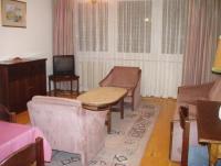Komfortabel eingerichtete Ferienwohnung mit Wohnzimmer, 2 Schlafzimmer für max. 5 Personen.