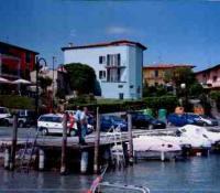 Klein aber fein und direkt am Strand! Ferienwohnung in Sirmione am Gardasee