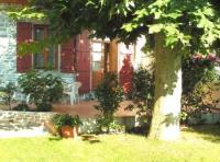 Die Parterrewohnung bietet gemütlichen Ferienaufenthalt am Rande des alten Ortskern von Hendaye
