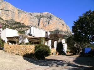 Finca Südansicht mit Bergmassiv 'Montgo'