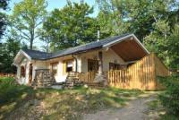 Ferienhaus für 6 Personen mit schöner überdachter Terrasse. 2 Badezimmer und. 3 Schlafzimmer.