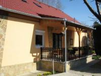 Ferienwohnung mit 100 m² Wohnfläche für 5 Personen am Balaton.