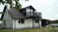 Ferienhaus beliebt wegen Natur und ruhige Lage nur 700 Meter vom Wasser mit Blick über den Dünen.