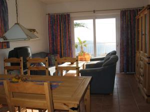Wohnzimmer der Wohnung 2 mit Essecke