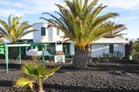 Freistehendes Ferienhaus in Tinajo, Lanzarote, für 6-8 Erwachsene und 2 Kinder mit 3 Schlafzimmern.