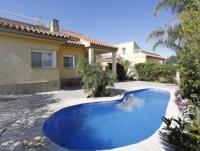 Schönes Haus ' Migjorn' mit sonniger Terrasse und 3 Schlafzimmern bietet Platz für 6 Personen.