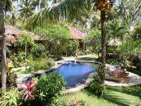 Bungalow für 4 Personen mit Gästeküche und Swimmingpool in Kalibukbuk, Lovina, Nordbali