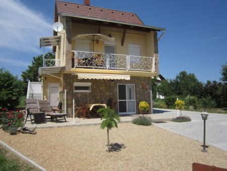 Ferienhaus in Cserszegtomaj grenzt an den berühmten Kurort Heviz