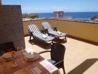 Die Ferienwohnung verfügt über zwei Schlafzimmer, eine sehr sonnige Terrasse für bis zu 4 Erwachsene