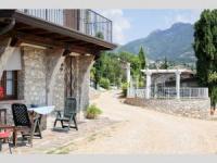 Ferienwohnung für 4 Personen in Tremosine, Balkon, Wohn-/Schlafraum mit Doppelbett, Küche, Essplatz