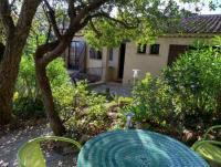 Das Ferienhaus mit sonniger Terrasse und 2 Schlafzimmer und 2 Badezimmer bietet Platz für 4 Personen