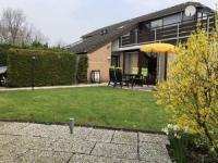 Port Greve: Das Ferienhaus mit sonniger Terrasse und 2 Schlafzimmern bietet Platz für 4 Personen