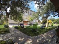 Ferienhaus 4*- Villa mit 6 Ferienwohnungen in Kroatien, Kvarner Bucht, Insel Rab, Banjol,Padova III