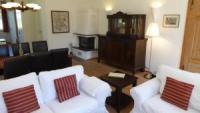 Die Ferienwohnung Parterre West mit sonniger Terrasse bietet viel Platz für 4 Personen