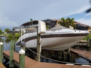 Bild 3 von Motorboot